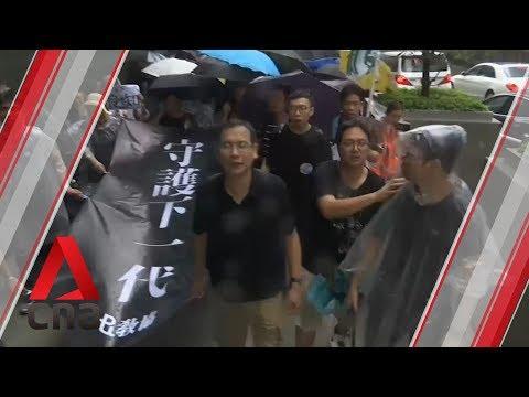 Hong Kong protest: Thousands of teachers rally