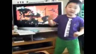 3歳の頃は、あたしの影響でBIGBANGを歌ってたのに、最近は旦那...