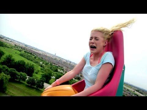 BLONDE GIRL HILARIOUS ROLLER COASTER REACTION!!