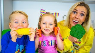 Gaby and Alex plays Vegetables challenge with Mama