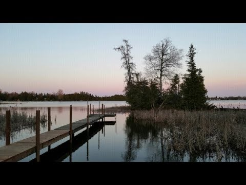 Waterfront Cottage Rental on Canal Lake close to Toronto