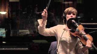 Liesa Van der Aa - Low Man's Land (Live @ La Chapelle Studios)