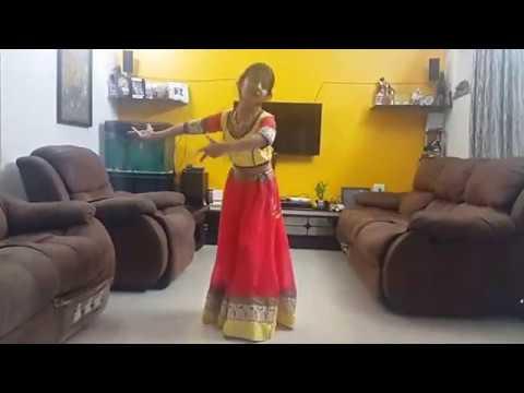 Khushi Dance on Aaja Nachle