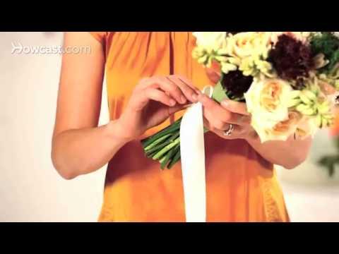 Как завязать ленту на букете невесты