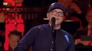 Lau Højen – Hold Mig Tæt (Live - Alletiders Juleshow 2020)
