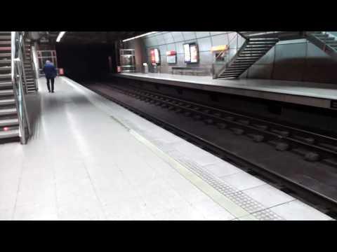 Metro Bilbao en la estación de mollua