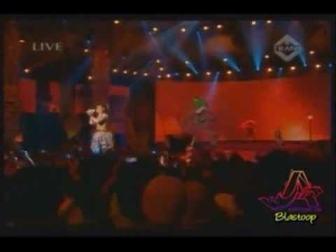 Agnes Monica VS The Legendary CHRISTINA AGUILERA (TRUTH EXPOSED!!!).wmv
