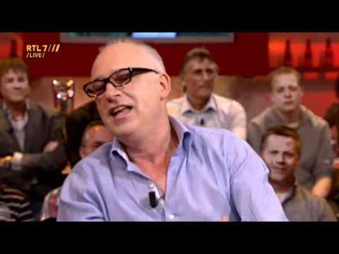 VI 06-05-11 - René van der Gijp speelde mee in afscheidswedstrijd Sjaak Swart