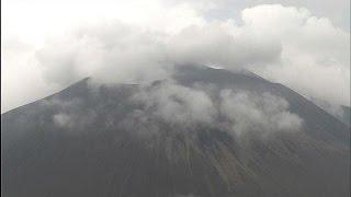 群馬県と長野県にまたがる浅間山の火山活動が高まり、小規模な噴火が起...