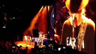 Neil Young - Standing in the Light of Love (Wien 23.07.2014)