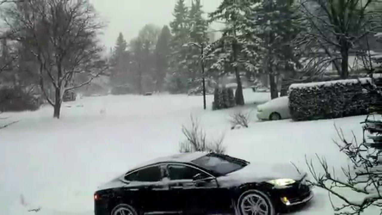 2017 Tesla Model S 85 Rwd Climbing Snowy Driveway