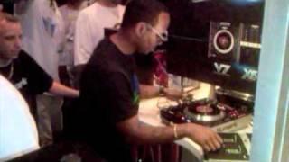 Numark V7: Jazzy Jeff & DJ Skribble