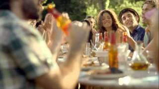 Canción Anuncio Estrella Damm 2013: Mediterráneamente y Love of Lesbian (60s)