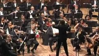 Rosas - Sobre las Olas.  AVI OSTROWSKY - Conductor   OFUNAM Philharmonic Orchestra