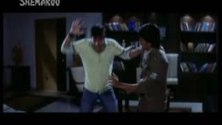 Dhamaal Comedy Scene - Gaadi ki chaabi