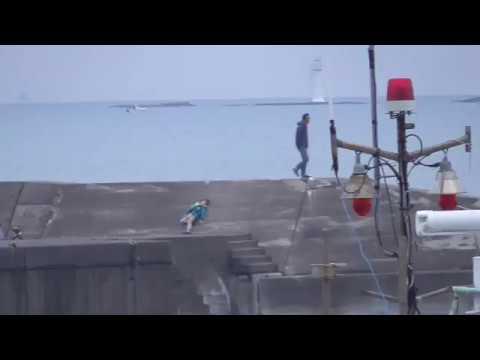 大晦日午後4時の堤防釣り人