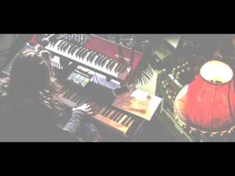 Ирина Аллегрова - Младший Лейтенант петь караоке - YouTube