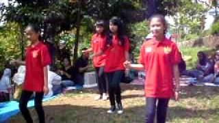 Dance Cinta Laura Shoot Me by SDN Jatiwaringin XII