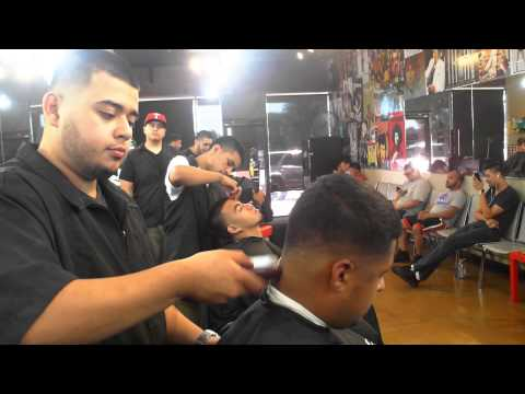 THE LONE STAR BARBER:@RAZORZ BARBERSHOP JAN,24,2014::MUSIC BY DJ R3Z TRAP MIX