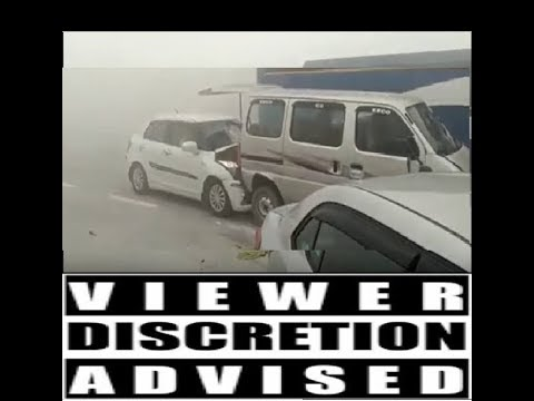 Dangerous LIVE accident on Greater Noida Expressway - November 2017