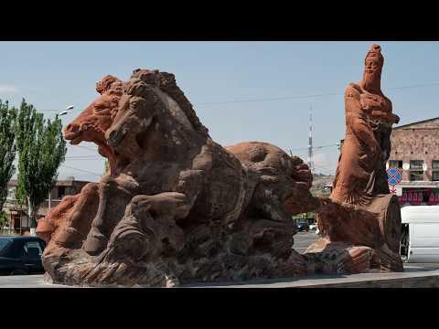 Краткий отчет о путешествии в Армению, 2018. Ереван: Площадь Республики, Эрибуни.