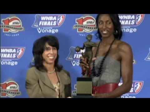 Becoming a Mother: Lisa Leslie