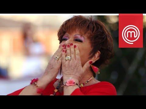 Orietta Berti canta durante l'assaggio del suo piatto | Celebrity MasterChef Italia 2