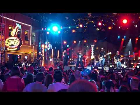 CMT Crossroads | Luke Combs + Leon Bridges...