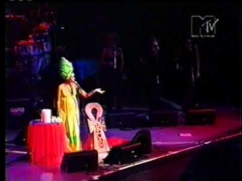 Erykah Badu in Brazil 1997