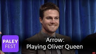 Arrow - stephen amell talks about playing oliver queen and shooting action scenes