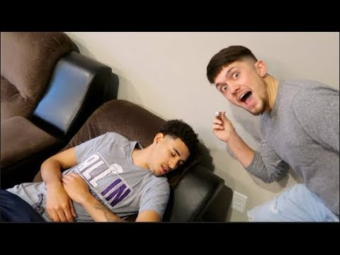 NUMBING MOUTH PRANK ON JORDAN FROM CIERRA AND JORDAN!!