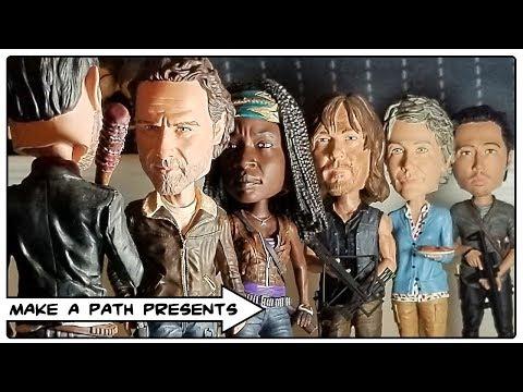 THE WALKING DEAD ROYAL BOBBLE HEADS! RICK, MICHONNE, CAROL, GLENN & MORE!