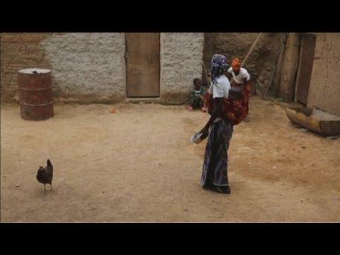 Cameroun, Regroupement des familles déplacées