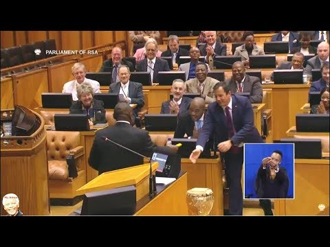 FUNNY Cyril Ramaphosa Giving John Steenhuisen A Cigar In Parliament