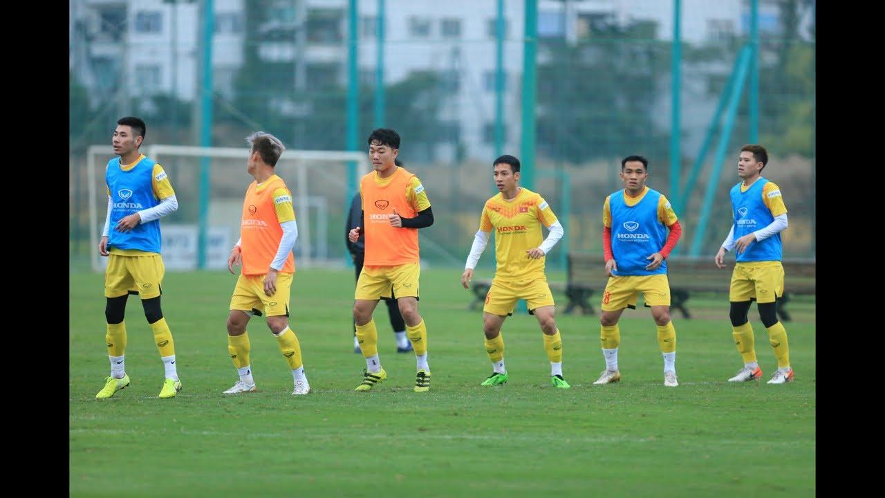 Đội tuyển Việt Nam tập luyện trước khi đối đầu U22| Báo Dân Việt