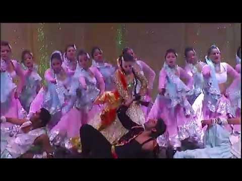Taj Express: The Bollywood Musical Revue – Short Documentary