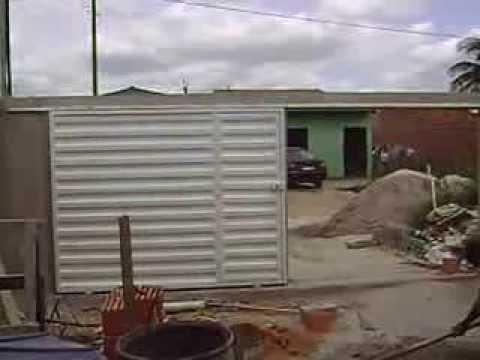 Casa pequena a baixo custo em terreno estreito youtube for Modelos de casa pequenas para construir