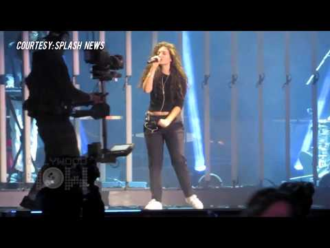 (VIDEO) Lorde FUNNY Dancing At MuchMusic Awards 2014