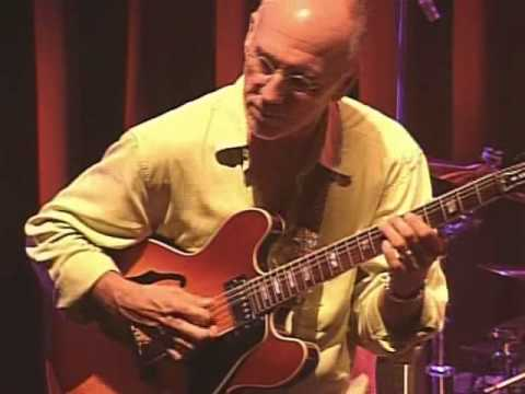 """Burnable"" - Larry Carlton with Robben Ford"
