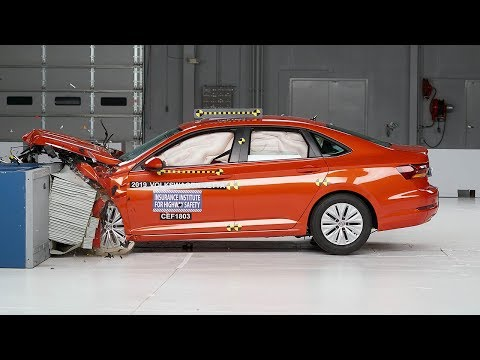 2019 Volkswagen Jetta Moderate Overlap IIHS Crash Test