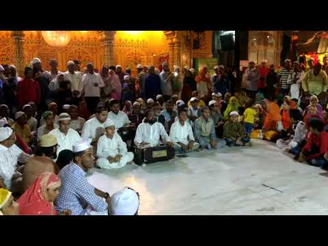 Mehfil e samaa: dargah Hazrat Moinuddin Chishti reh. Ajmer sharif. Kuch Nawaso ka sadqa ata ho