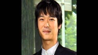 ドラマ「半澤直樹」で主人公の半澤直樹を演じる堺雅人さん。 早稲田大→...