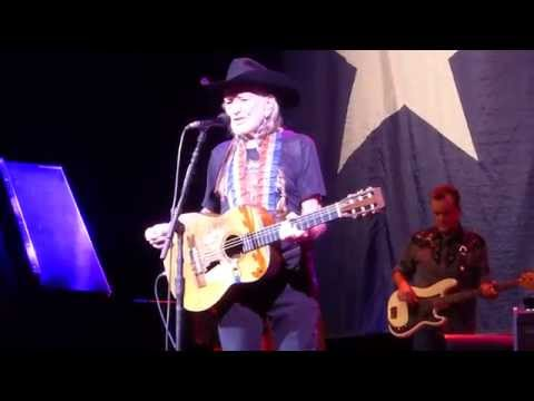Willie Nelson - Beer for My Horses [Toby Keith cover] (Houston 11.18.14) HD