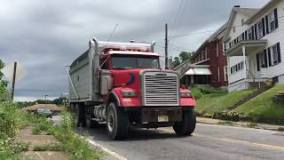 Mini Loud Thingies & THE LOUDEST PETERBILT JAKE BRAKE EVER!!! - More Trucks In Bangor!