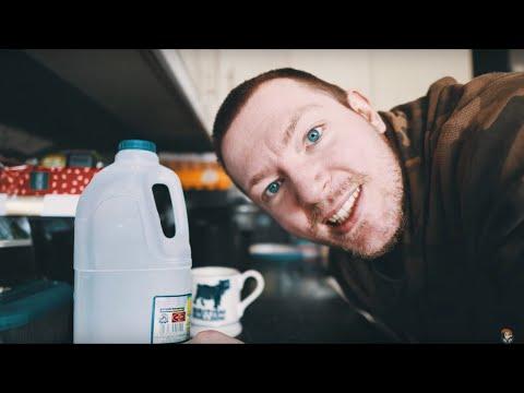 MrAlexTech Vlogs #3 - Just entertaining myself!