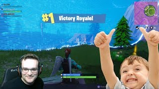 Carrying an Awesome Kid in Squad Fill Blitz Mode (PS4 Pro) Upshall Fortnite Gameplay