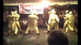THE PILYOZ DANCING STATUES{nagcarlan laguna}