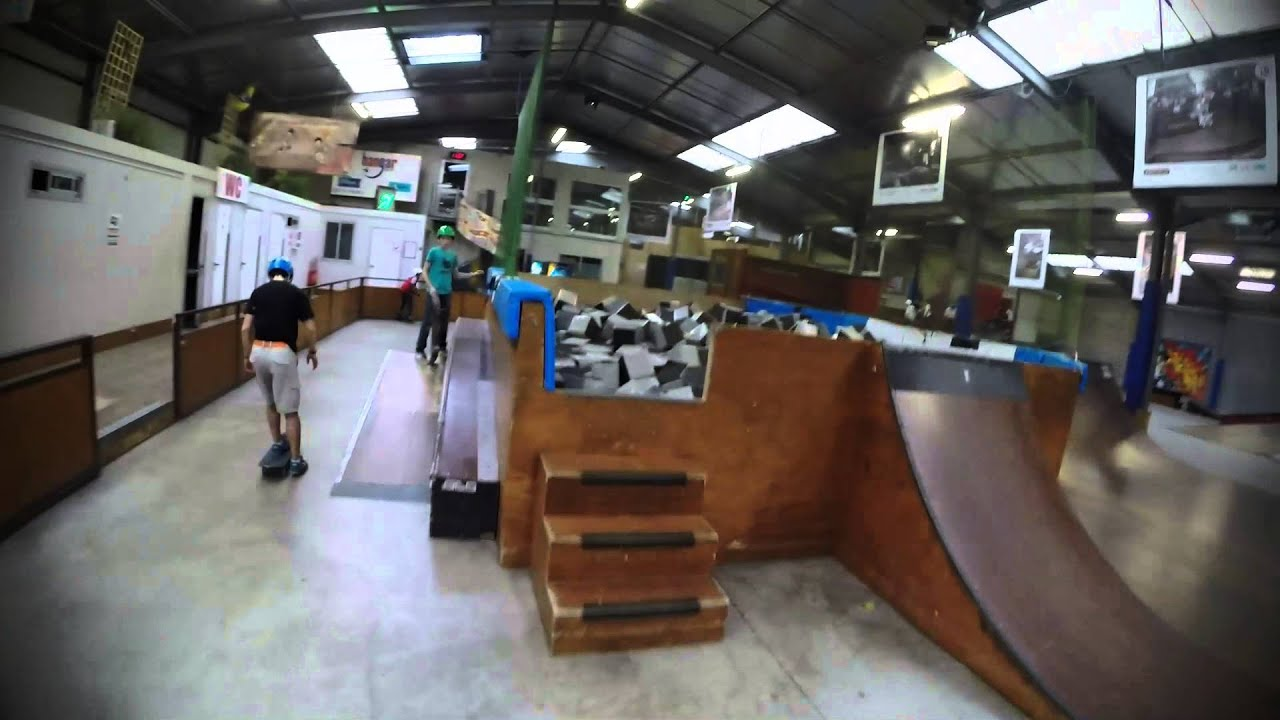 Le hangar nantes 02 14 youtube - Location hangar nantes ...