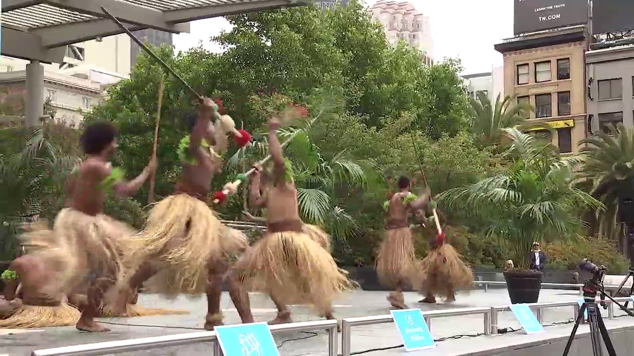 Fijian Warriors in Traditional Dance take over Union Square in San Francisco