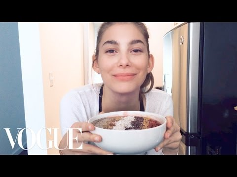 Cami Morrone Makes the Ultimate Post-Workout Smoothie